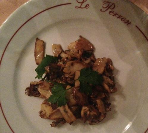 Le Perron: porcini mushrooms, most-simply sauteed