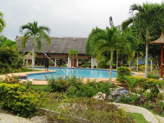 Kasai Village Dive & Spa Resort: View of the resort 