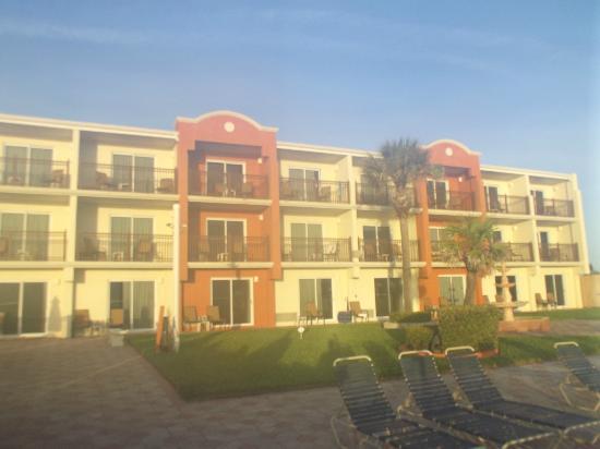 戴通納海灘濱海拉金塔旅館及套房飯店照片