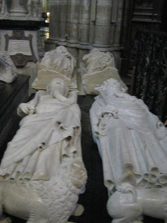 Basilica Cathedral of Saint-Denis: Grabmal