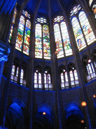 Basilica Cathedral of Saint-Denis: Altarraum - Fenster