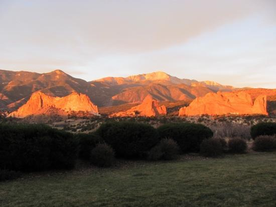 Garden of the Gods Club and Resort: the view from our patio....