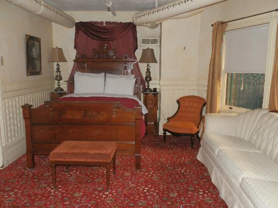 Chateau Tivoli Bed & Breakfast: Suite LOLA MONTEZ chambre principale