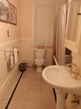 Chateau Tivoli Bed & Breakfast: Suite LOAL MONTEZ Salle de bains