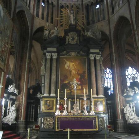 Holy Savior Cathedral (Sint-Salvatorskathedraal): Altar Mayor
