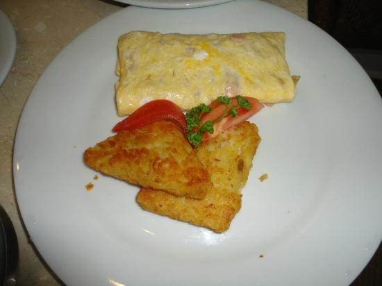Moon Palace Golf & Spa Resort: Room Service breakfast omelette