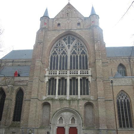 Holy Savior Cathedral (Sint-Salvatorskathedraal): Fachada