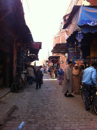 Riad Zayane: Outside the riad
