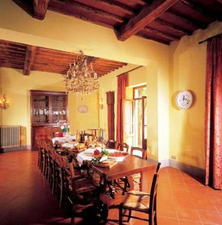 Agriturismo La Selva : Villa Fabbri dining room - La Selva