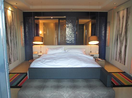 Sofitel Essaouira Mogador Golf & Spa: Bed dominates the room