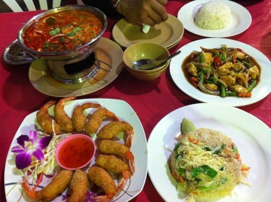 Kusuma Seafood : n tempura prawn