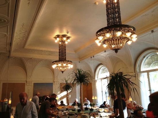 Parkhotel Laurin: Frühstücksraum