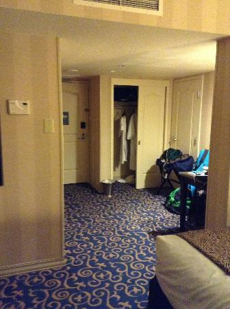 Disneyland Hotel: closet and desk area