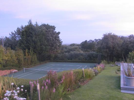De Verdwaalde Boer: Tennisbaan