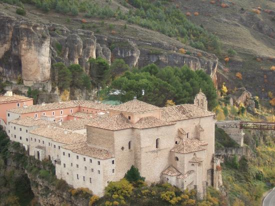 Parador de Cuenca: viewed from above; majestic setting