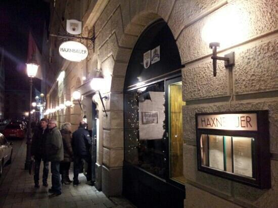 Haxnbauer: Entrance