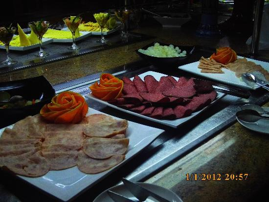 Memories Varadero Beach Resort: Good selection of food