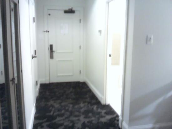 إنترناشيونال هاوس: corridor