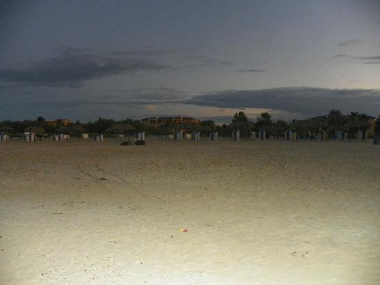 Memories Varadero Beach Resort: evening beach