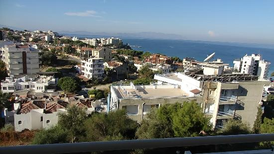 Tuntas Family Suites Kusadasi: Wonder view from the hotel.