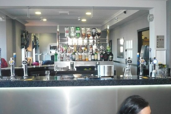 The Royal Boston Hotel: The new bar area