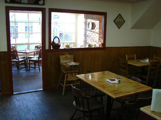 The Mill Stream Deli, Bakery & B.B.Q.: view of main dining room