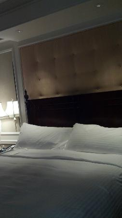 Boston Harbor Hotel : bed photo