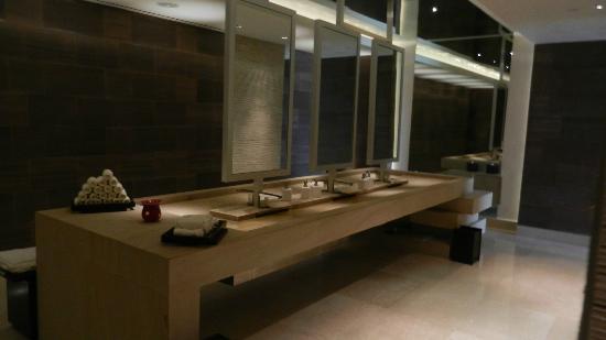 Secrets The Vine Cancun Hotel Lobby Bathroom