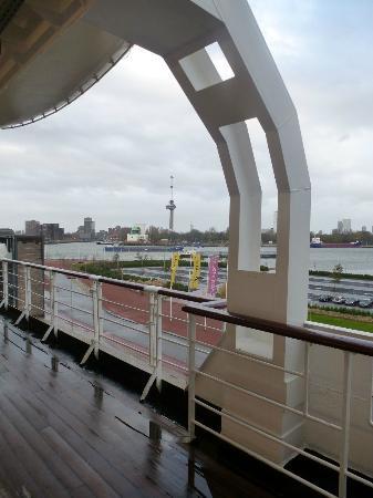SS Rotterdam: Promenade deck
