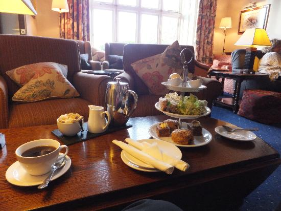 Lindeth Howe Country House Hotel: Afternoon tea.