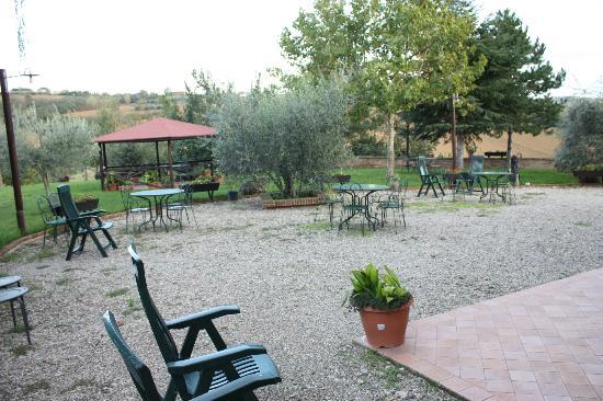 La Contea: Courtyard