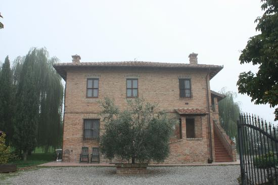 La Contea: The Villa