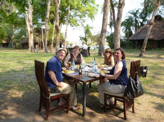 Thorntree River Lodge: Lunch outdoors
