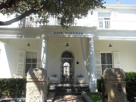 Cape Cadogan: Front