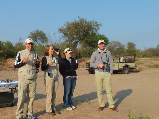 Naledi Bushcamp and Enkoveni Camp: morning coffee break