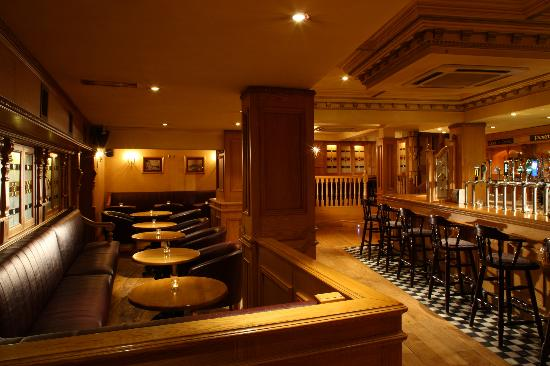 Gallaghers Hotel: Mc Carry's Bar