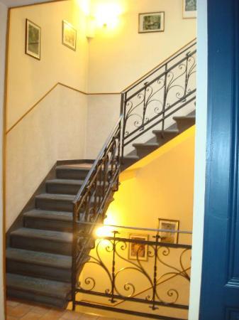 Hotel La Pergola: Le scale per arrivare ai piani