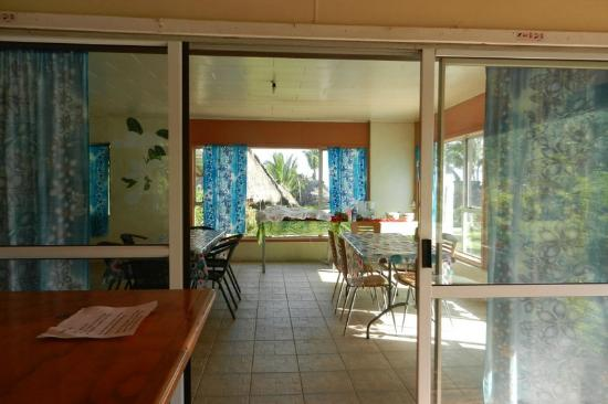 Paradise Cove Lodges : Breakfast room
