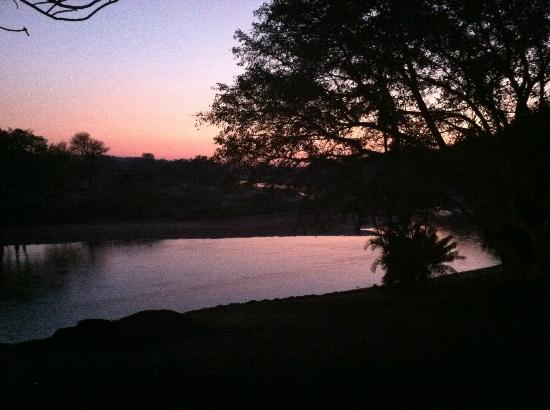 Naledi Bushcamp and Enkoveni Camp: sunrise from our room