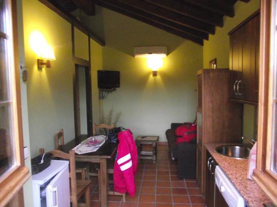 Posadas de Granadilla : SALON, COMEDOR Y COCINA