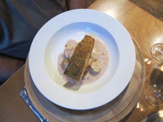 Bistro Betws-y-Coed: Fillet of bacon crumb crusted salmon