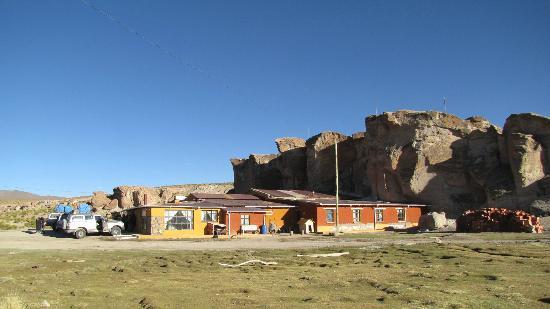 Hotel Jardines de Mallku Cueva: Front view