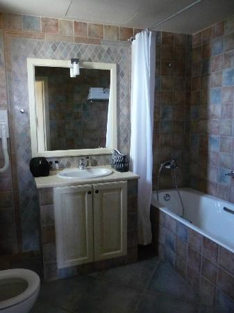Castello Antico Beach Hotel: Bathroom