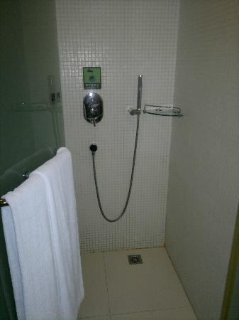 Catic Hotel : Shower - water not very hot but ok