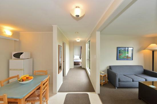 Kerikeri Homestead Motel & Apartments: Two Bedroom Apartment Overview