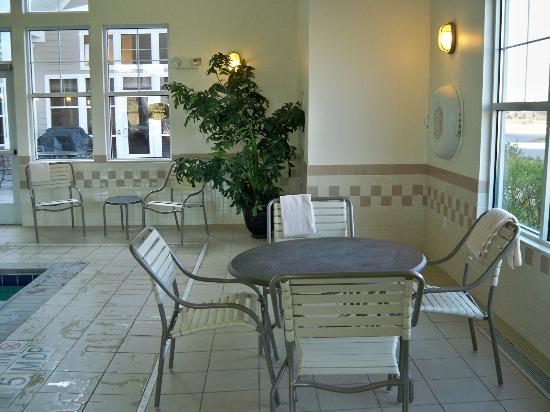 Residence Inn Providence Coventry: Pool area