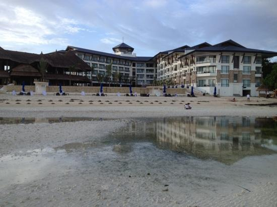 The Bellevue Resort Bohol: morning walk