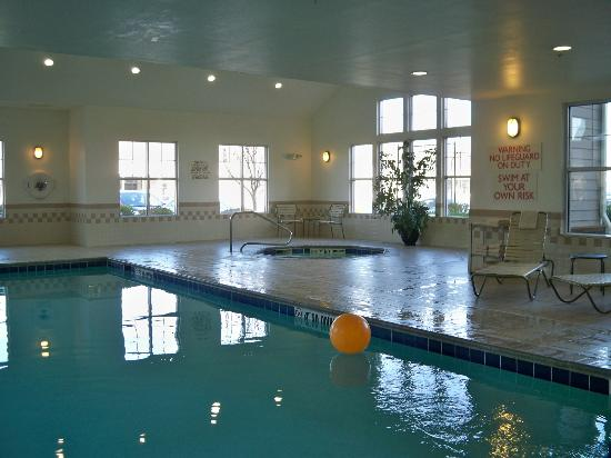 Residence Inn Providence Coventry: Pool and hot tub