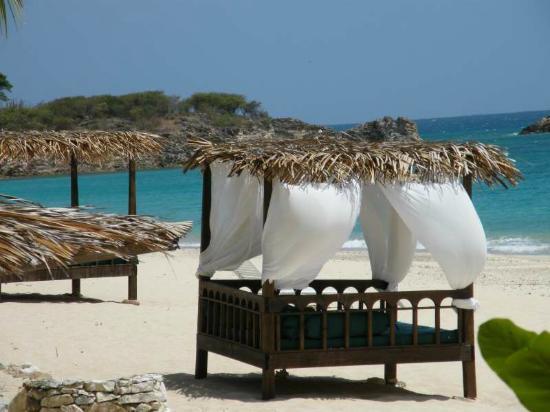 Keyonna Beach Resort Antigua: Bali Beds