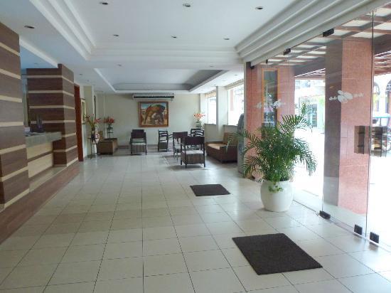 Victoria Regia Hotel & Suites: Lobby
